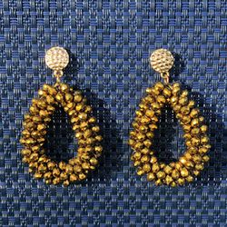 Aged golden earrings made with beads and golden hook. for Sale in Miami,  FL