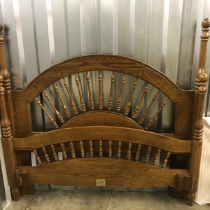 5 Pc Queen Bedroom Set for Sale in Twinsburg, OH