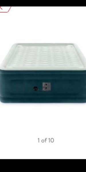 Intex Air mattress Full size w/pump for Sale in Bloomington, CA