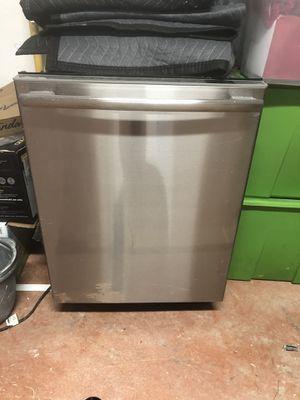 Frigidaire Dishwasher Model FPHD2491KF0 for Sale in Miami, FL