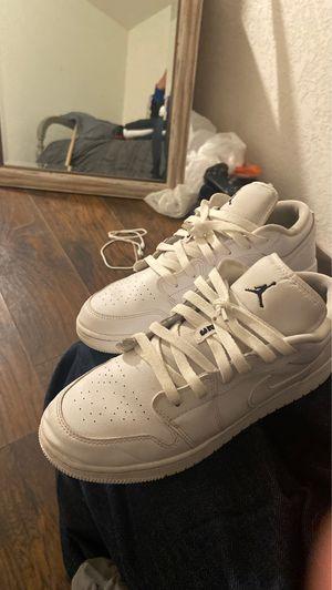 Jordan mid 1 size 7 for Sale in Salinas, CA