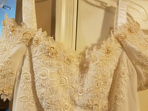 Wedding dress with gorgeous runner. for Sale in Frederick, MD