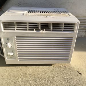 GE 115 Volt Room Air Conditioner for Sale in San Diego, CA