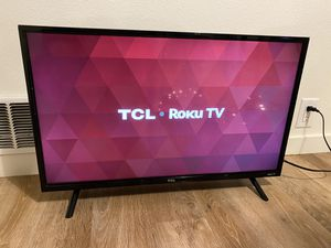 32 inch brand new TCL tv with roku included. for Sale in Bellevue, WA