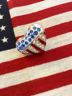 🇺🇸 USA 🇺🇸 Flag Crystal pin / Swarovski Crystal Heart pin with One free small American flag as gift 🇺🇸💝 Visit for more , for Sale in Annandale, VA