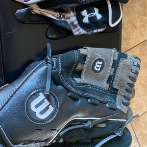 wilson baseball glove / under armour batting gloves for Sale in Delano, CA
