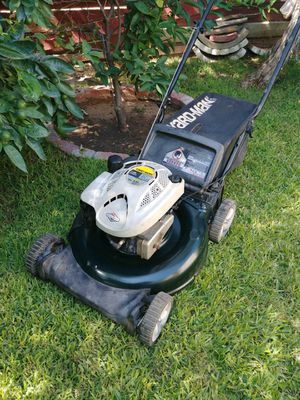 YARD-MAN LAWN MOWER DE PUSH TRABAJA BIÉN. for Sale in Riverside, CA