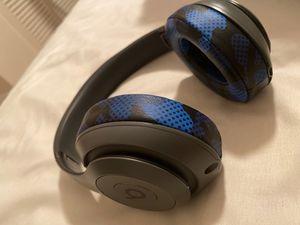 Beats 3 studio wireless for Sale in Miami Gardens, FL