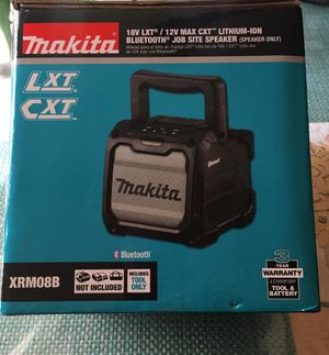Makita 18-Volt LXT / 12-Volt MAX CXT Lithium-Ion Cordless Bluetooth Job Site Speaker (Tool Only) for Sale in Los Angeles, CA