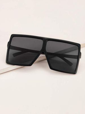 Square flat top fashion sunglasses for Sale in Stockton, CA