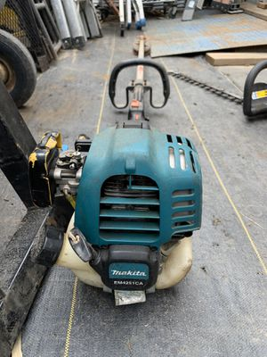 Makita weeder 4stroke for Sale in Highland, CA