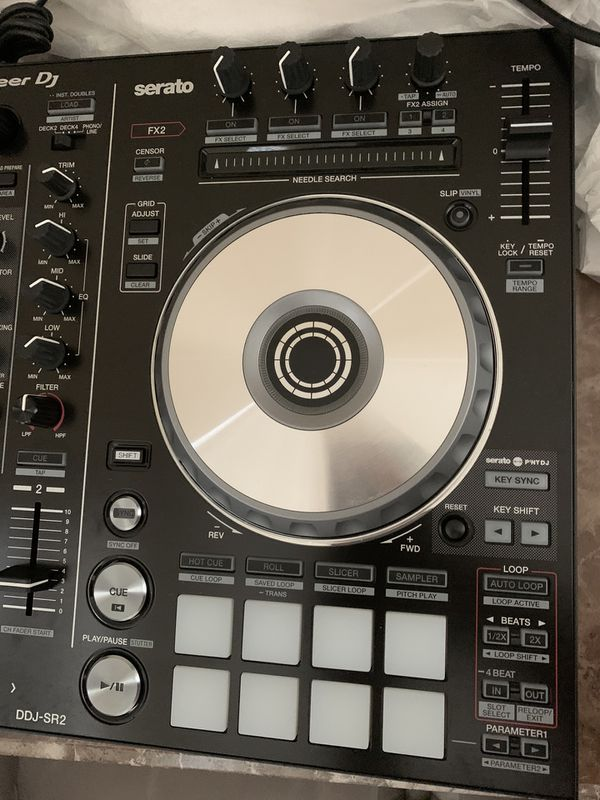 Serato pioneer DJ equipment