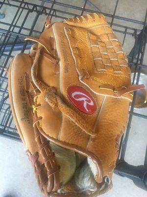 "12.5"" softball or baseball glove Rawlings lefty's for Sale in San Bernardino, CA"