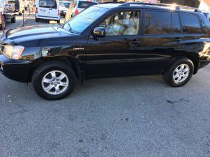 Clean 04 Toyota Highlander Limited for Sale in Pittsburgh, PA