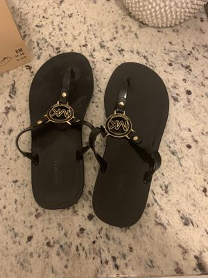 Authentic Michael kors jelly flats size 8 with box for Sale in Orlando, FL