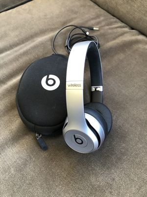 Beats by Dr Dre Solo2 SPECIAL EDITION Wireless Headphones for Sale in Dublin, OH