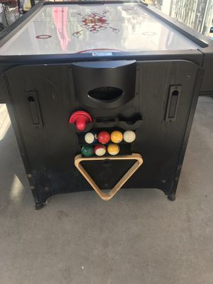 Fat Cat 2 in 1 flip air hockey and pool table for Sale in Baldwin Park, CA