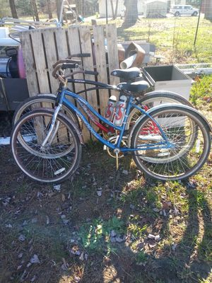 2 like new bikes never ridin only set outside but in good ridding condition for Sale in Abraham, WV
