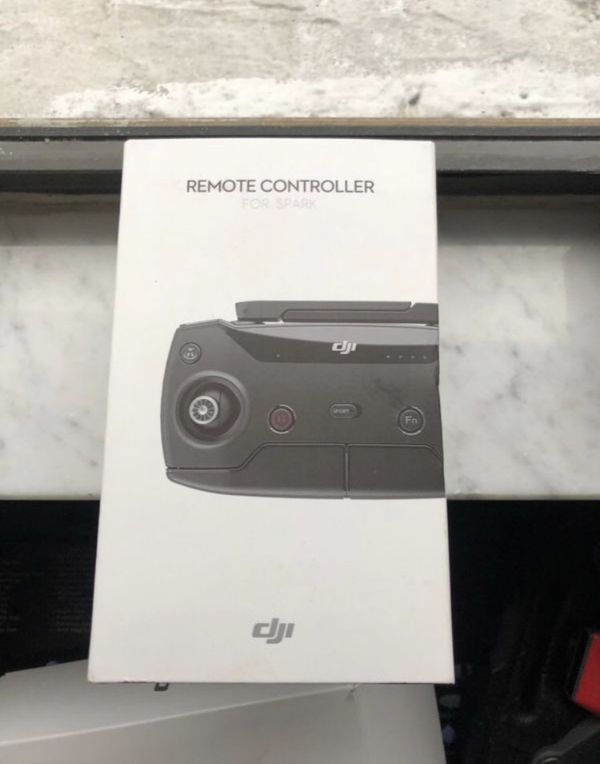Dji Spark (New) with his Remote Controller (new)