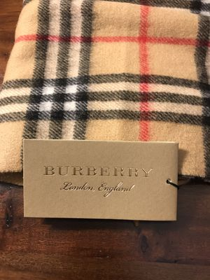 Burberry Scarf for Sale in Sugar Land, TX
