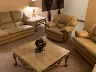 Living Room Set for Sale in McCook,  IL