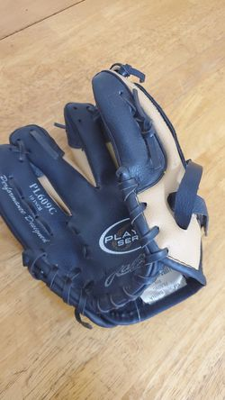 Rawlings kids baseball glove for Sale in Durham,  NC