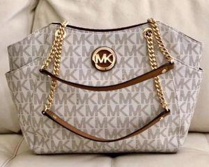 NWT Michael Kors - Large Chain Tote Bag Purse / MK Signature / Sheik Vanilla for Sale in Los Angeles, CA