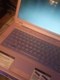 Sony Vio Laptop.Works F i ne. for Sale in Federal Way,  WA