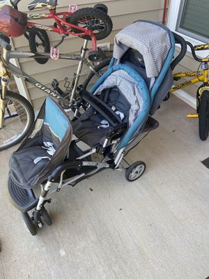 Double stroller Safety1st for Sale in Sudley Springs, VA