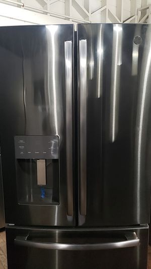 New GE French door Refrigerator in Black stainless for Sale in Riverside, CA