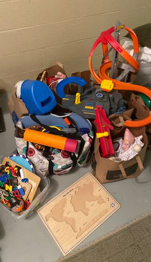 Miscellaneous Toys - FREE for Sale in Rochester, MI