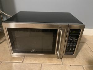 Microwave for Sale in Lowell, MA