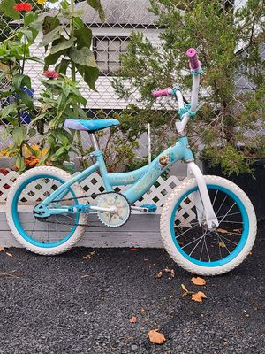 Bike Elsa and Ana 16 inch for Sale in Paterson, NJ