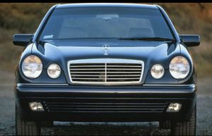 1996 Mercedes Benz e320 driver side doors for Sale in Lynnwood, WA