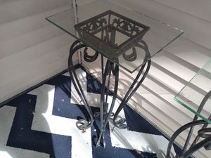 Lamp tables/ plant stand (antiques) for Sale in Columbus, OH