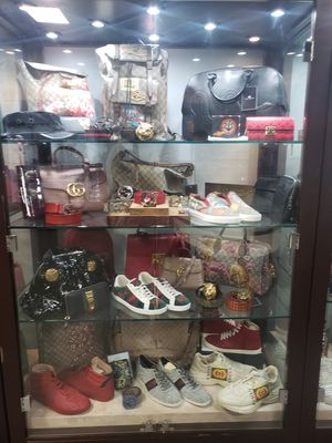 EVERYTHING MUST GO!!MOST DESIGNER IN LAS VEGAS !! EVERYTHING IS ON SALE!!WE HAVE LOUIS VUITTON,GUCCI,AND CHANEL for Sale in Las Vegas, NV