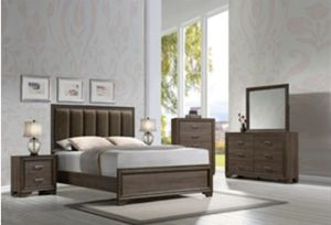 Queen Bed Set 4 PCS in Special Offer In 45701 Highway 27 N Davenport Fl 33897 for Sale in Davenport, FL
