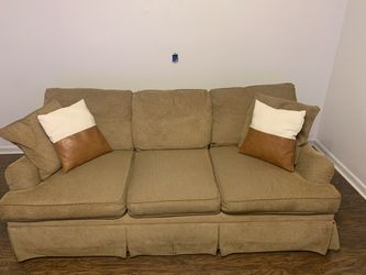 Tan Tweed Couch for Sale in Nashville,  TN