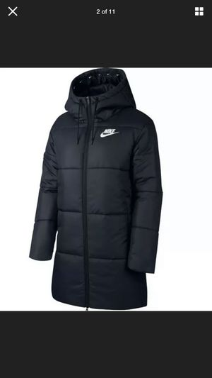 Nike WMNS Hooded Parka Synthetic-Fill Parka Sz XL New! for Sale in Bridgeport, CT