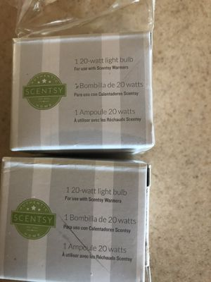 Lot of 2 scentsy light bulbs for Sale in Las Vegas, NV