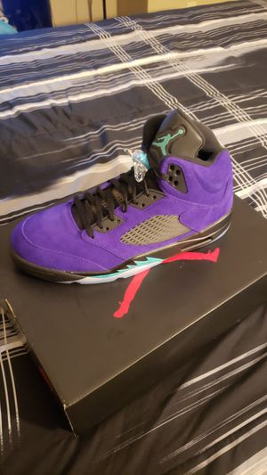 Jordan Retro 5 Alternative Grape Sz 12 1/2 for Sale in Stockton, CA