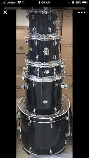 Ludwig Complete Drum Set with Hardware and Cymbals for Sale in Mesa, AZ