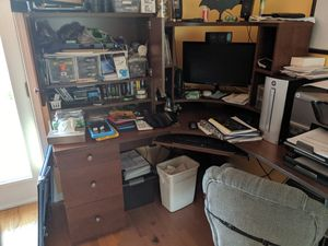 Corner Desk for Sale in Morton Grove, IL