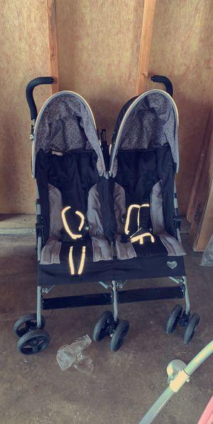 Delta double stroller for Sale in Aurora, IL