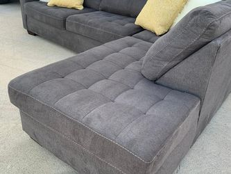 Delivery - grey sectional couch sofa for Sale in Burleson,  TX