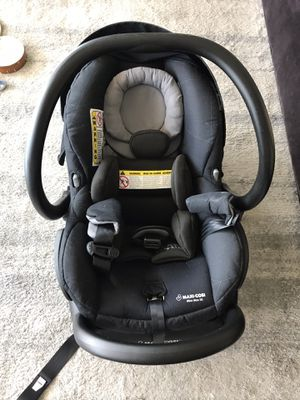 Maxi-Cosi Car seat (Mico Max 30) for Sale in Brooklyn, NY