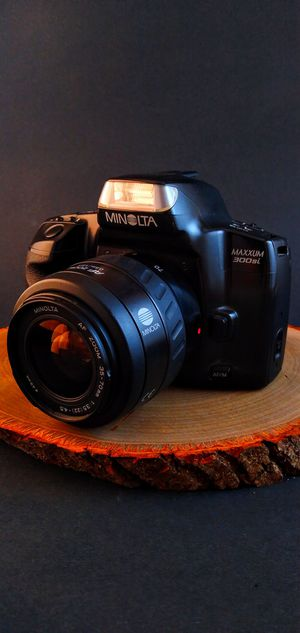 Minolta Maxxum 300si SLR 35mm Film Camera for Sale in Denton, TX