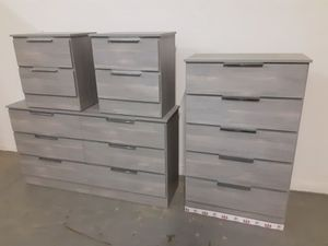 NEW PRETTY GRAY DRESSER, CHEST AND 2 NIGHTSTANDS INCLUDED for Sale in Palm Beach Shores, FL