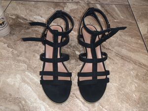 Size 7.5 Black Strappy Short Heel for Sale in South Gate, CA