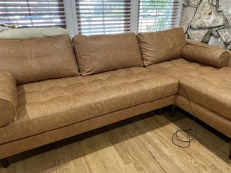 Mid century Modern Sectional Genuine Leather NEW for Sale in South Gate,  CA